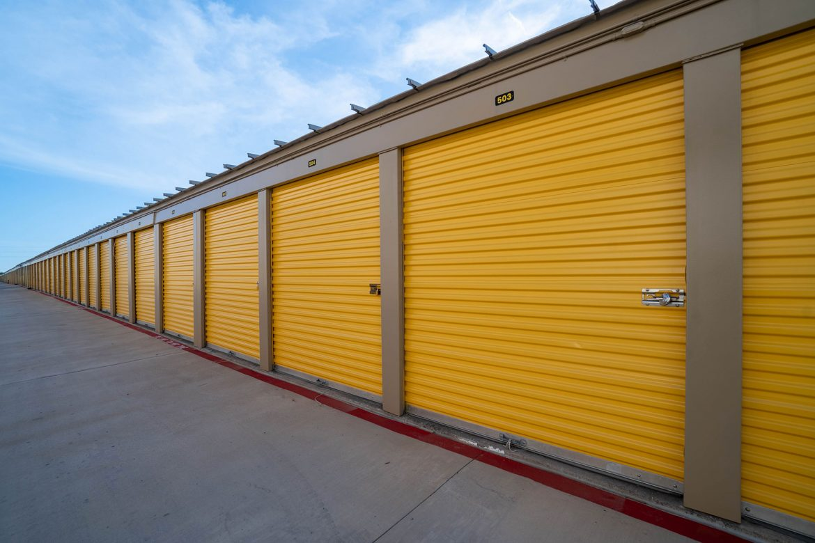 Reasons why people should use personal storage units